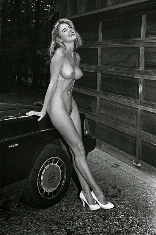 Kayslee-Collins-Poses-Topless-For-A-Study-In-Fetishisms-Vol-2-10-800.jpg